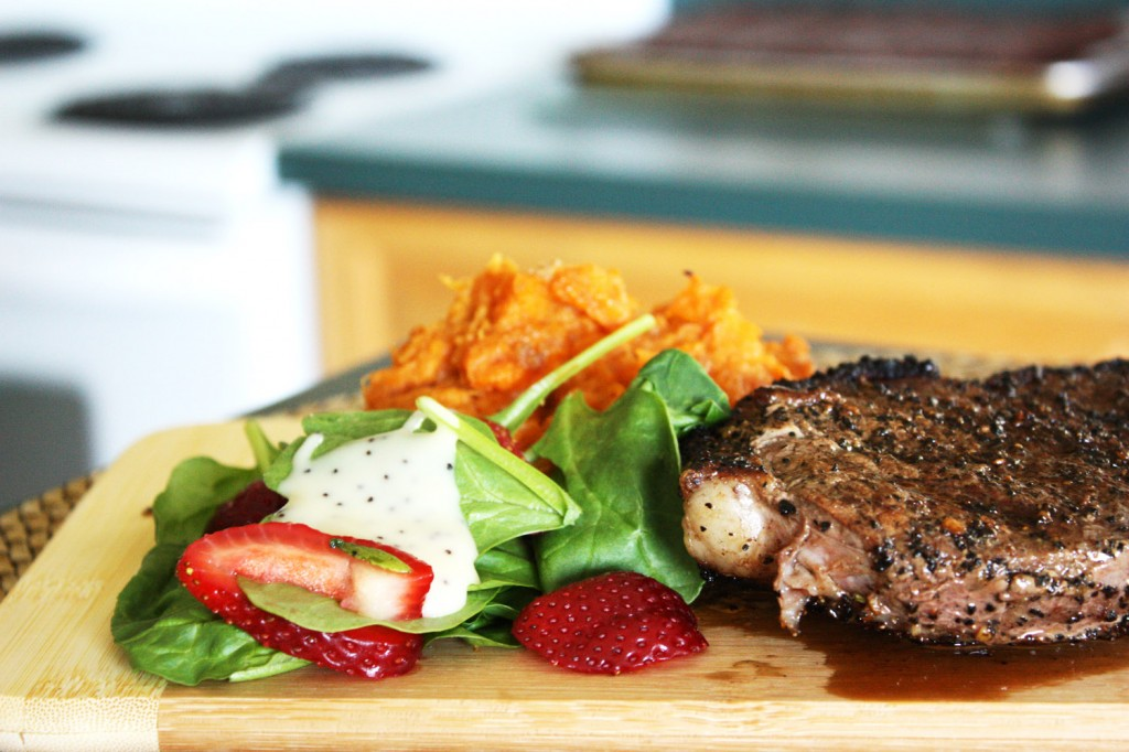 Coffee Rubbed Steak & Sweet Potatoes | bsinthekitchen.com #steak #coffee #bsinthekitchen