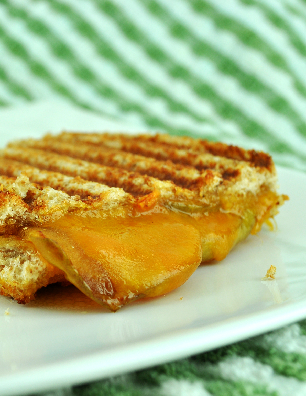Grilled Cheese & Caramelized Apples Sandwich | BS' in the ...
