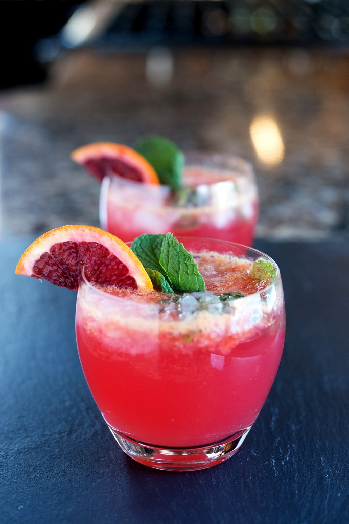 Blood Orange Mojito | bsinthekitchen.com #cocktail #drink #bsinthekitchen