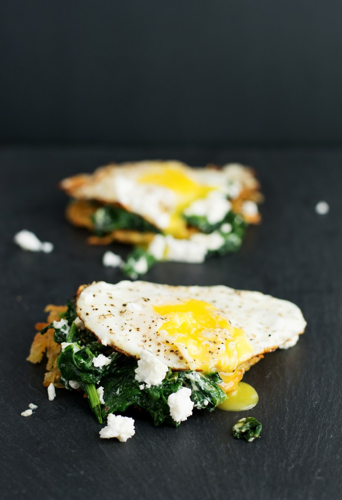 Feta Eggs Florentine on Hashbrown | bsinthekitchen.com #breakfast #brunch #bsinthekitchen
