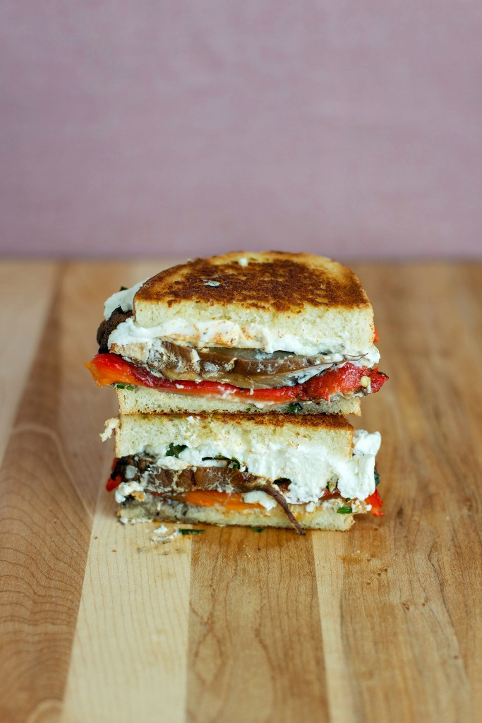 Roasted Red Pepper, Portobello & Goat Cheese Grilled Cheese | bsinthekitchen.com #grilledcheese #portobello #bsinthekitchen