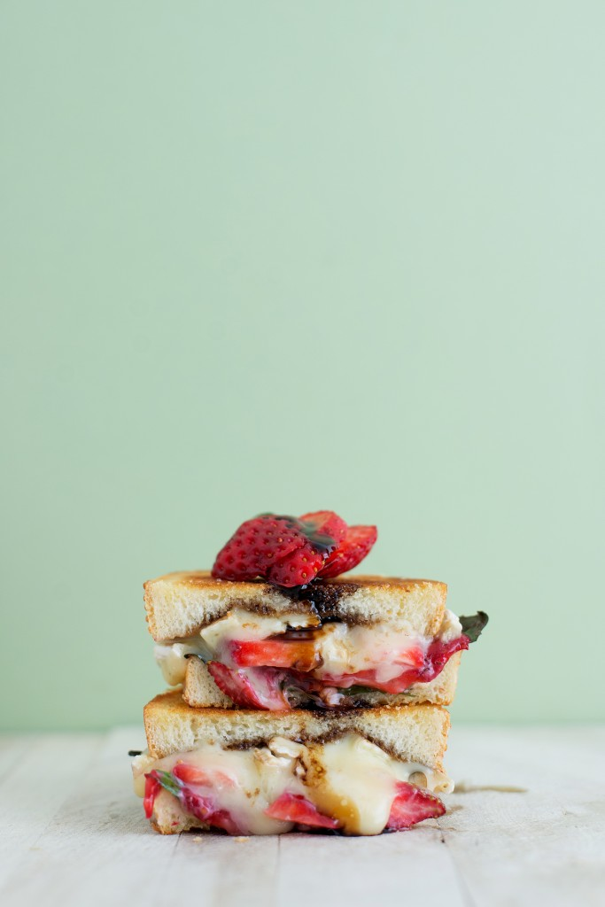 Strawberry, Balsamic, Basil, & Brie Grilled Cheese | bsinthekitchen.com #grilledcheese #sandwich #bsinthekitchen
