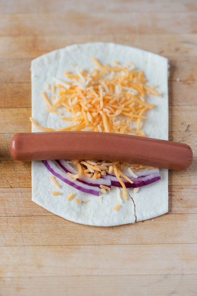 Tortilla Hot Dog Wraps | bsinthekitchen.com #hotdog #summer #bsinthekitchen
