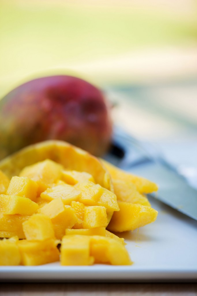 How to Cut a Mango VIDEO | bsinthekitchen.com #mango #howto #bsinthekitchen