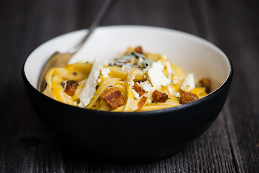 Winter Squash Fettuccine | bsinthekitchen.com #dinner #pasta #bsinthekitchen